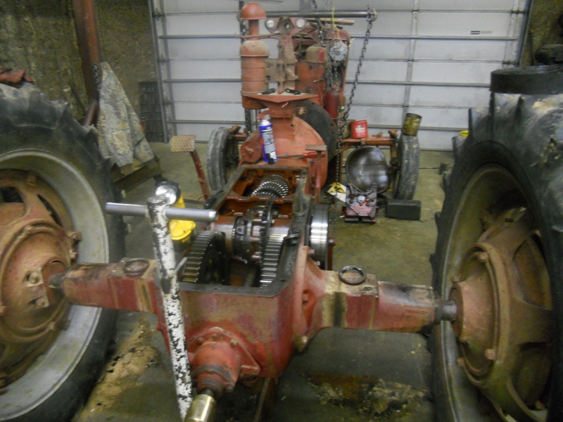 M axel housing leak - Farmall Cub