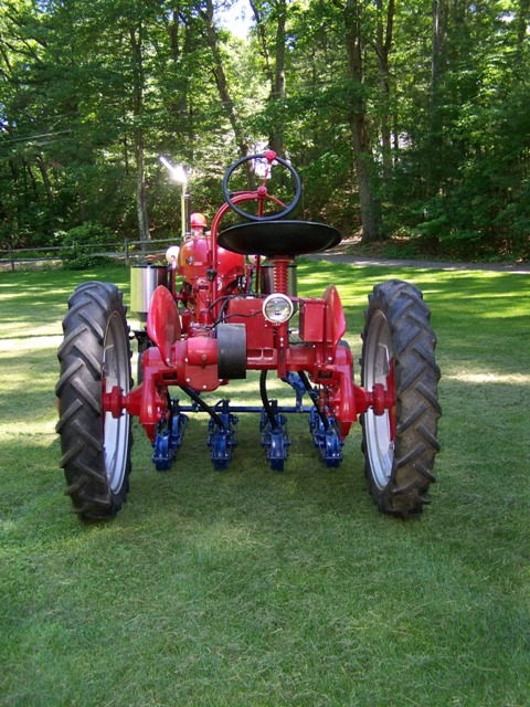 1961 high wide w 474 planter farmall cub